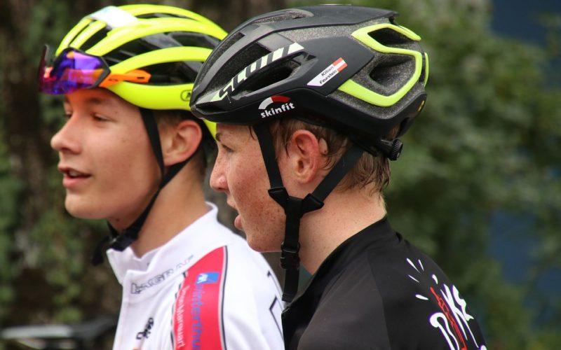 Jezdíte na kole? Poradíme, jak si vybrat cyklistickou helmu